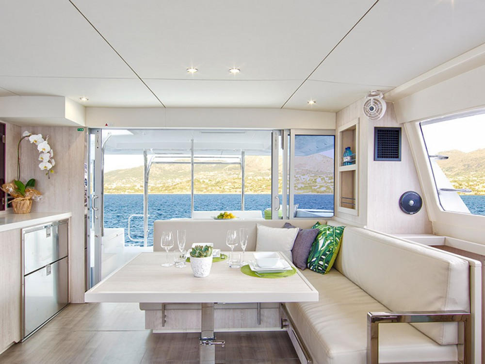 Catamaran à louer à Placencia au meilleur prix