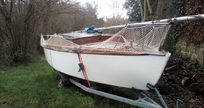 Location bateau Chantiers français sai Corsaire à Regnéville-sur-Mer sur Samboat