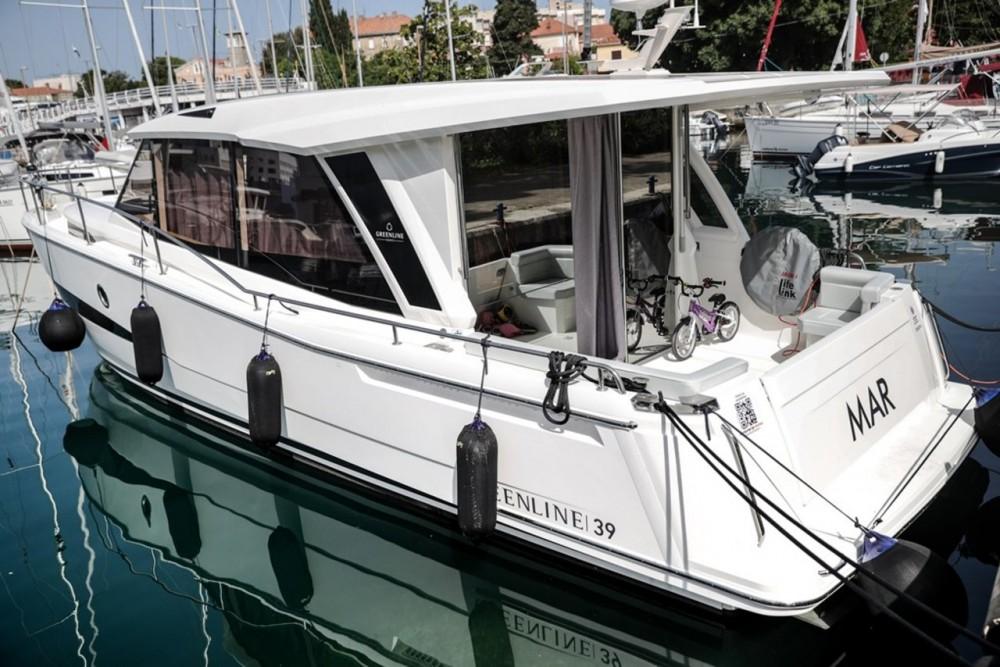 Seaway Greenline 39 entre particuliers et professionnel à Zadar