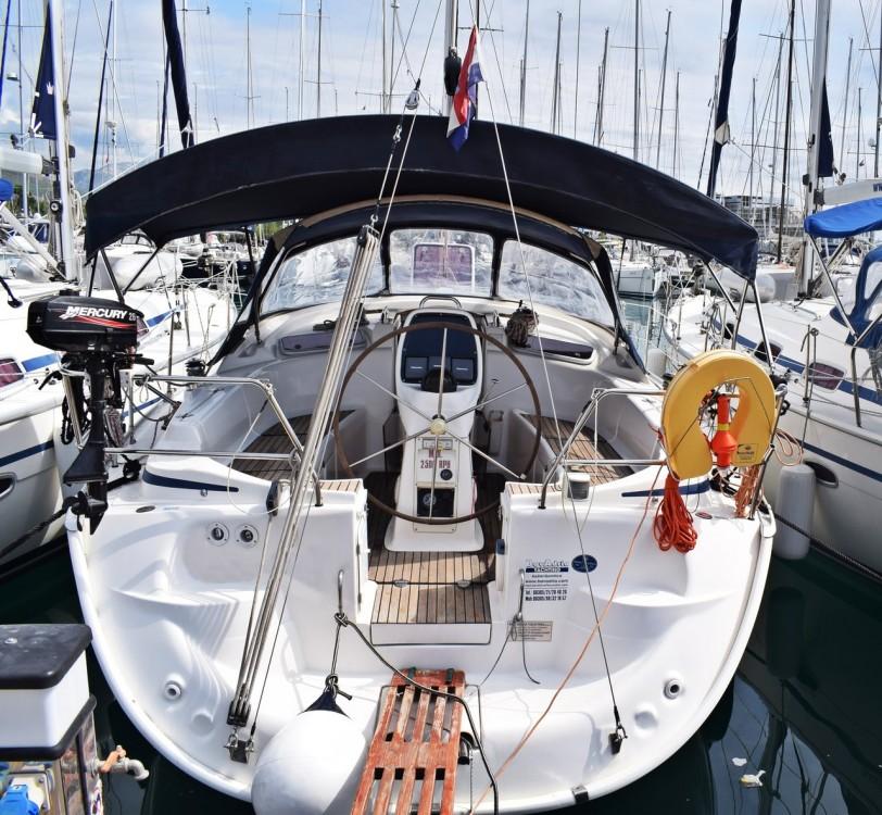 Louez un Bavaria Cruiser 37 à Croatie