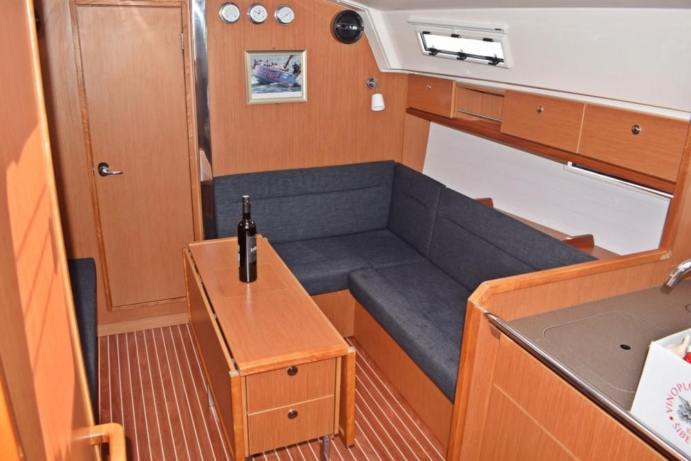 Louez un Bavaria Cruiser 36 à Croatie
