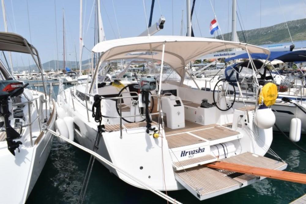 Location bateau Jeanneau Sun Odyssey 490 - 5 + 1 cab. à Croatie sur Samboat