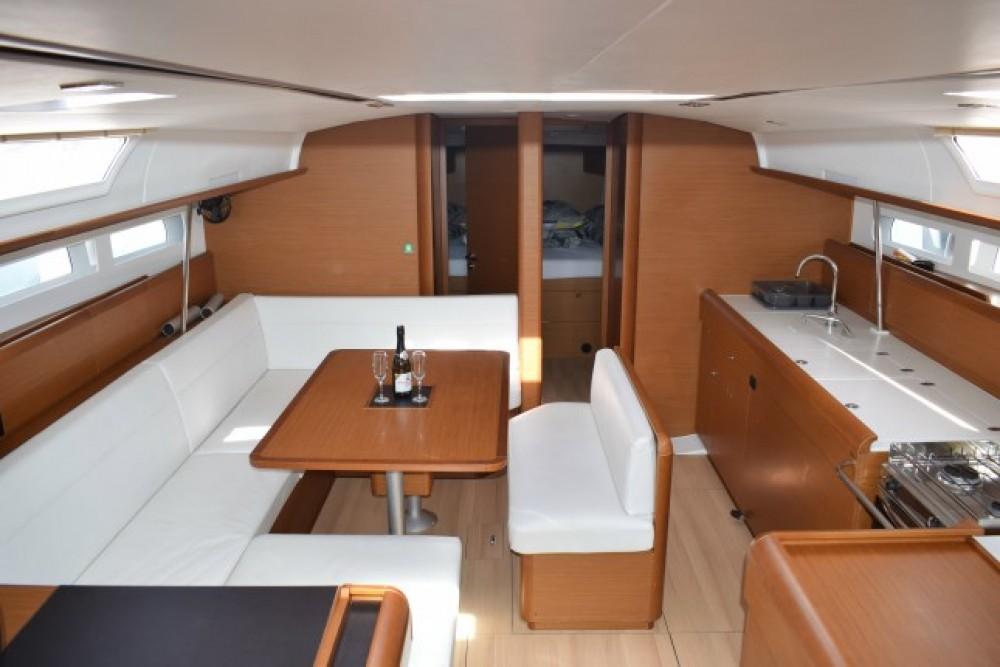 Location bateau Jeanneau Sun Odyssey 519 - 5 + 1 cab. à Croatie sur Samboat