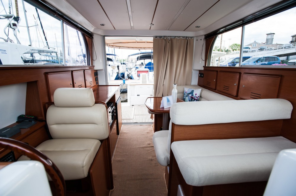 Location bateau Zadar pas cher Antares 10,80 Fly