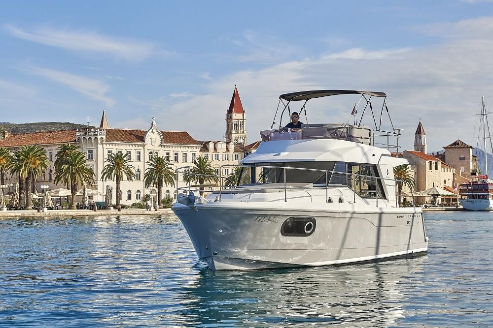 Bénéteau Swift Trawler 30 entre particuliers et professionnel à Trogir
