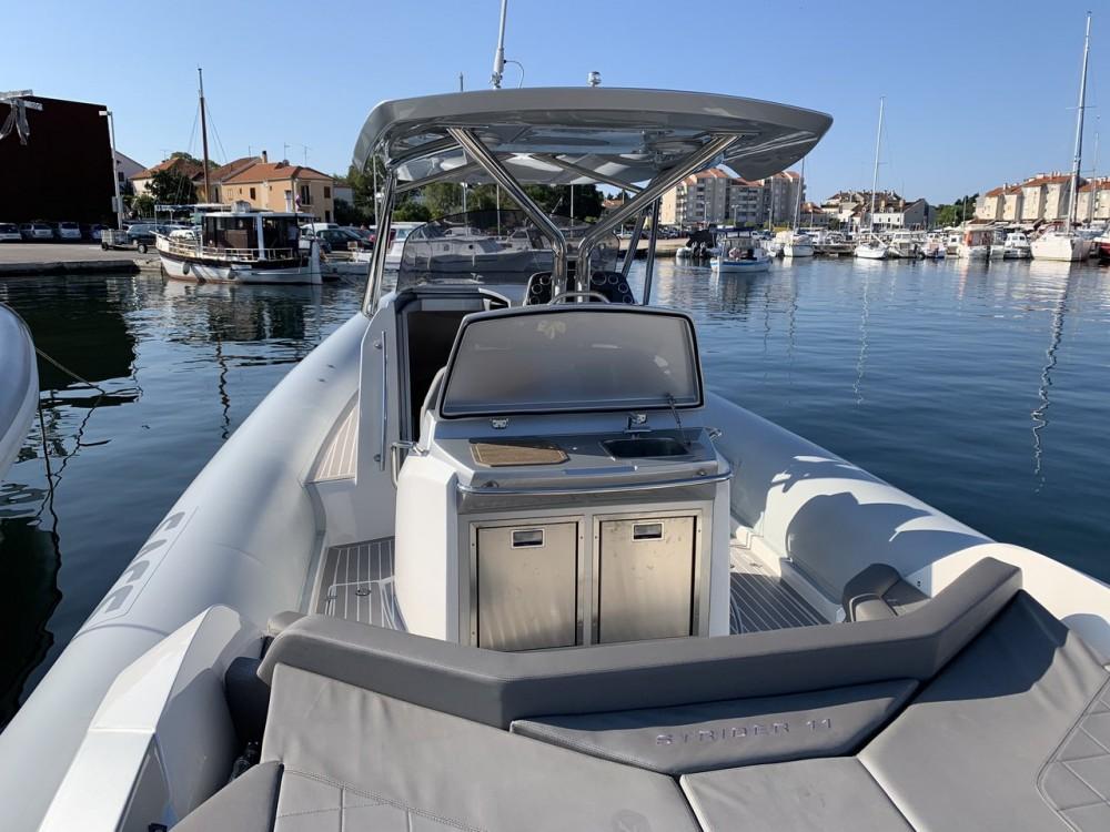 Louer Bateau à moteur avec ou sans skipper Sacs à Croatie
