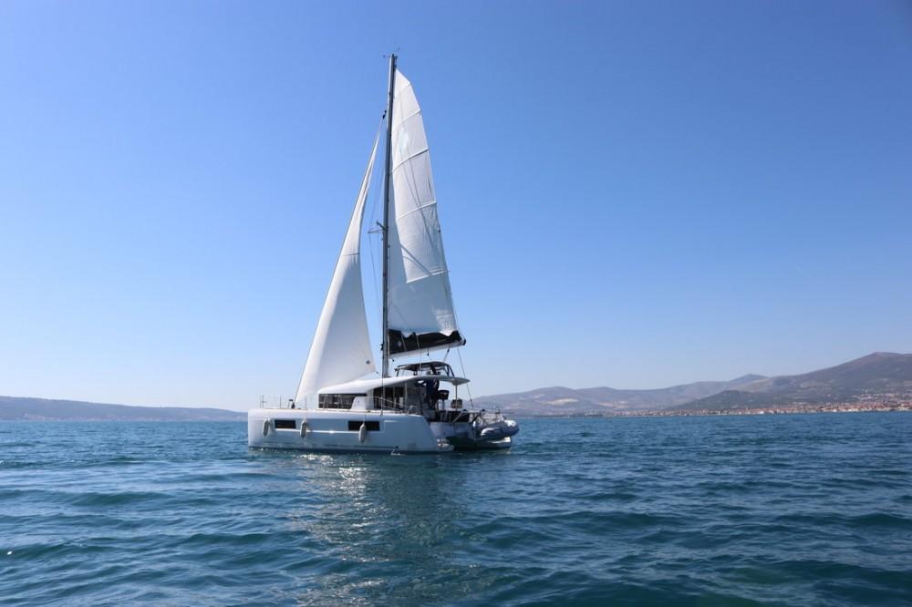 Location bateau Lagoon Lagoon 40 - 4 + 2 cab  à Croatie sur Samboat
