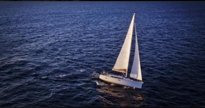 Louez un Jeanneau Sun Odyssey 389 à Gouviá