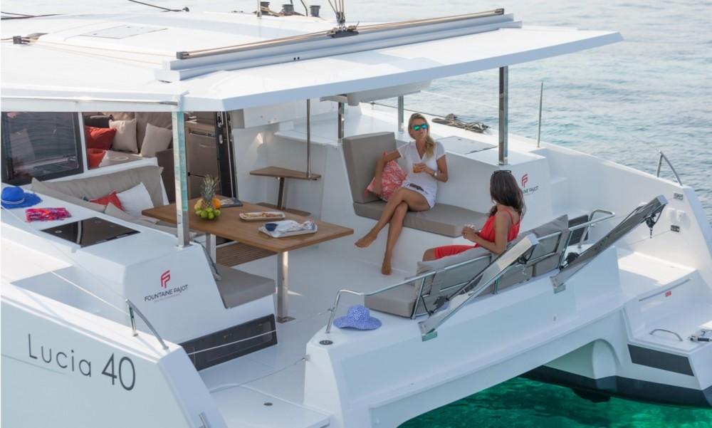 Location bateau Tortola pas cher Fountaine Pajot Lucia 40 - 3 cab.