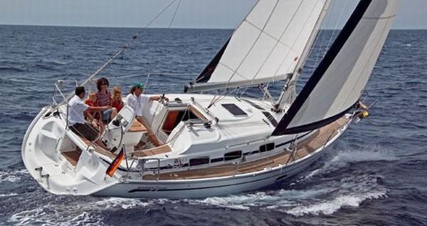 Louez un Bavaria Bavaria 33 Cruiser à Athènes