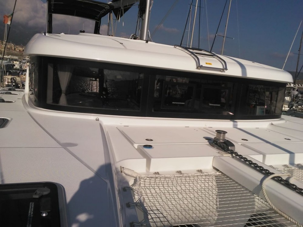 Location bateau Campanie pas cher Lagoon 40 (4 cab)