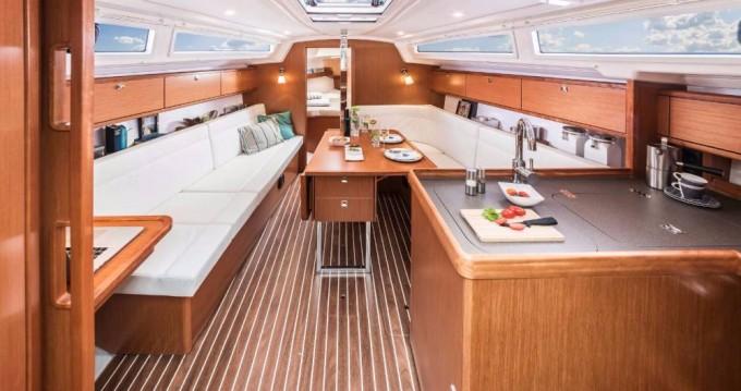 Location bateau Scarlino pas cher Cruiser 34