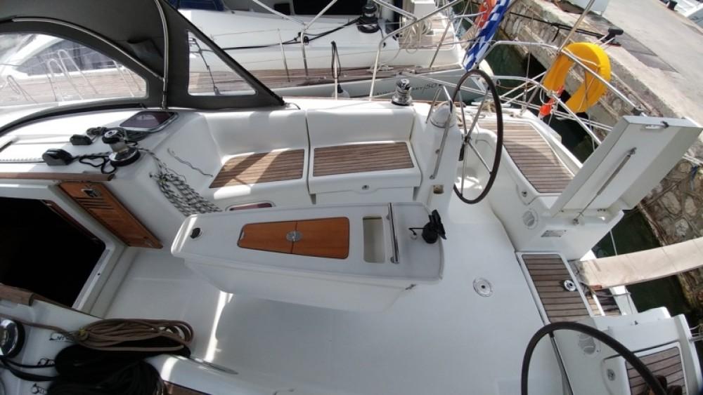 Location yacht à Péloponnèse - Bénéteau Oceanis 43 sur SamBoat