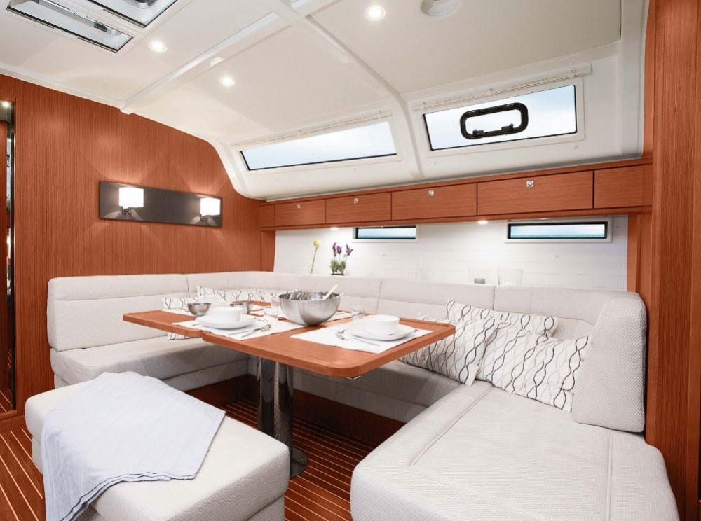 Bavaria Bavaria Cruiser 51 entre particuliers et professionnel à Leucade
