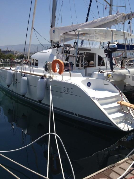 Louez un Lagoon Lagoon 380 - 4 + 2 cab. à Peloponnese