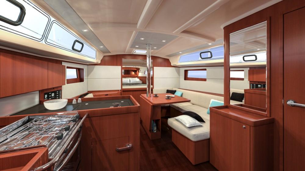 Location yacht à Péloponnèse - Bénéteau Oceanis 411 sur SamBoat