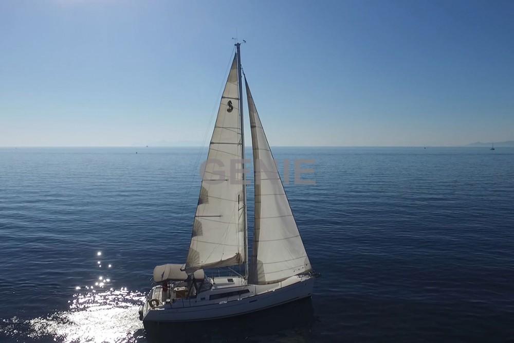 Bénéteau Oceanis 37 entre particuliers et professionnel à Péloponnèse