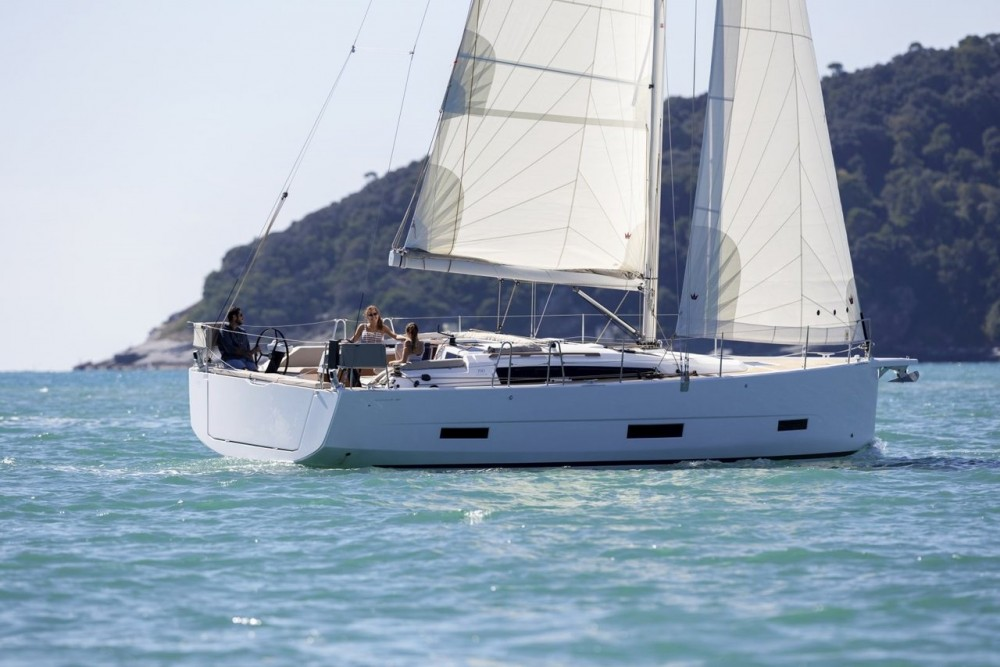 Location bateau Croatie pas cher Dufour 390 GL