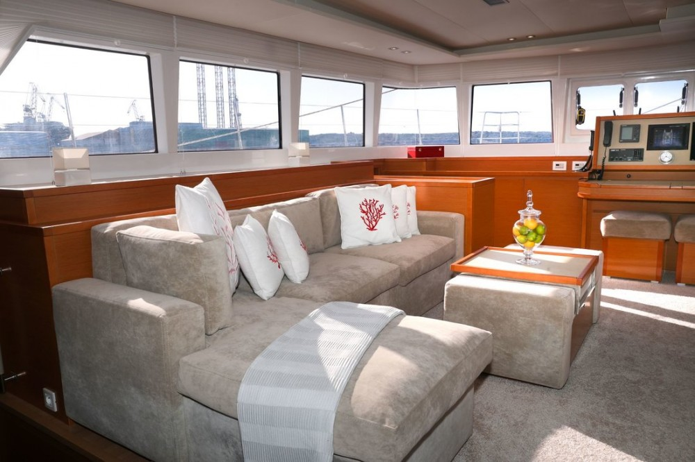 Location bateau Pula pas cher Lagoon 620