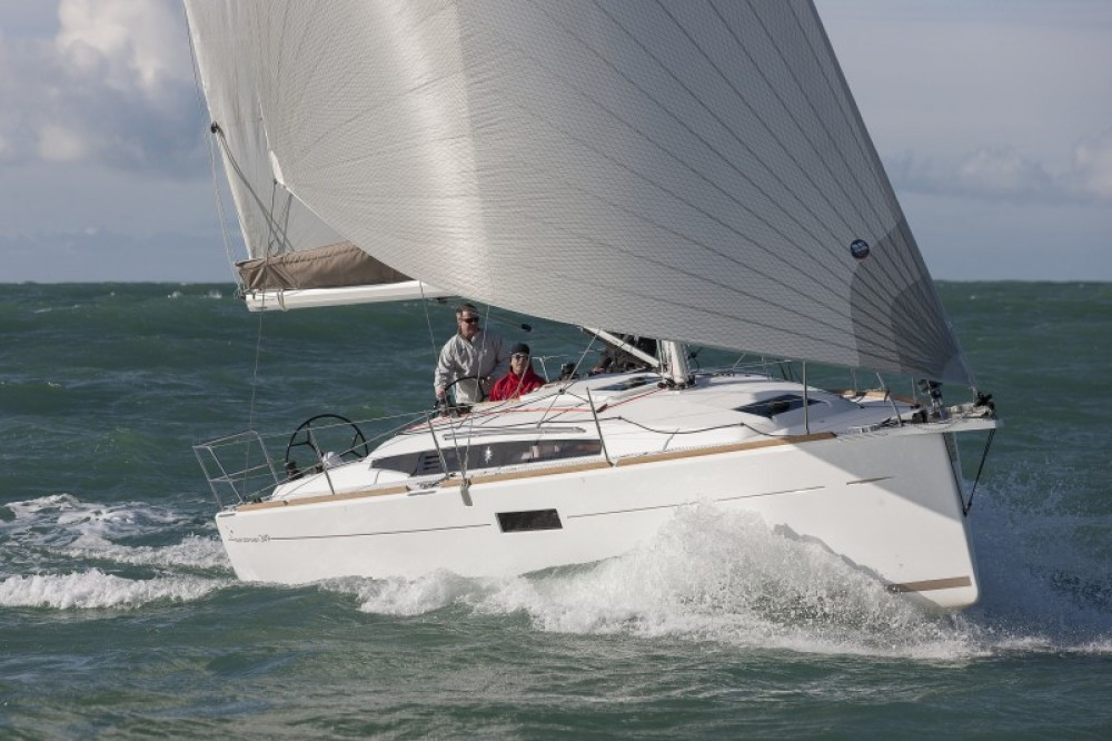 Location bateau Jeanneau Sun Odyssey 349 à Péloponnèse sur Samboat