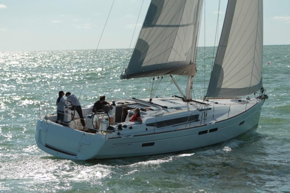 Louer Voilier avec ou sans skipper Jeanneau à Péloponnèse
