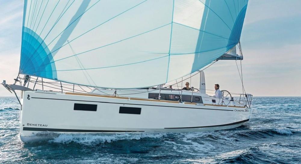 Location bateau Sardaigne pas cher Oceanis 38.1