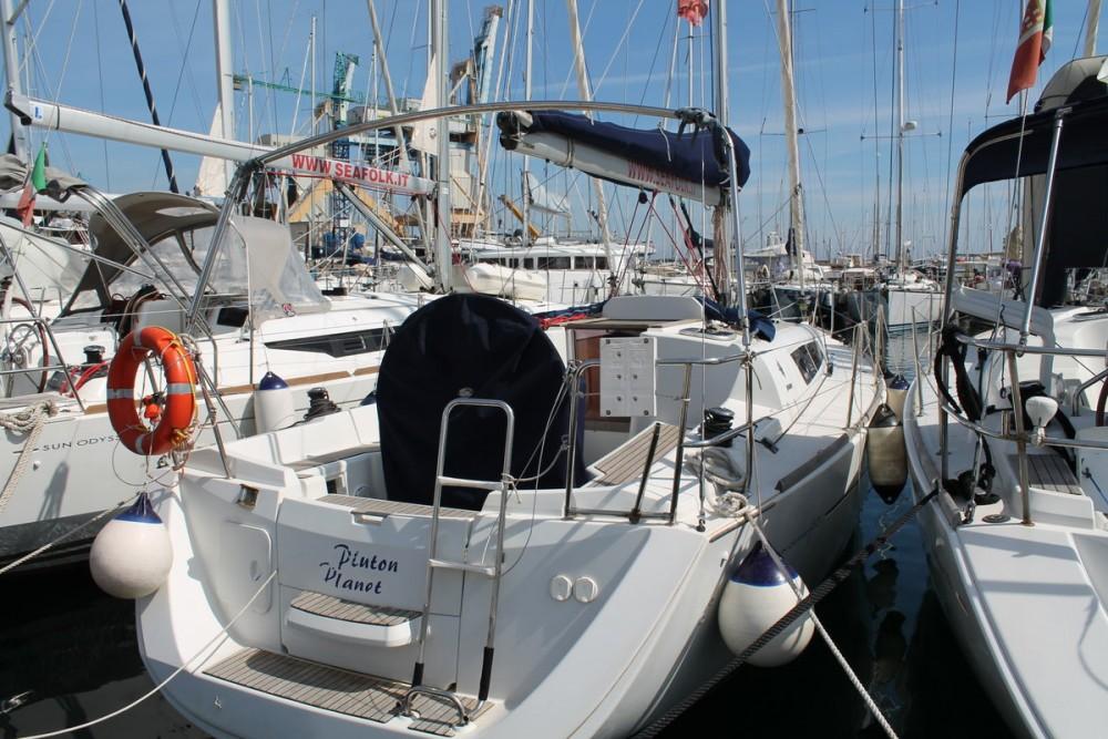 Jeanneau Sun Odyssey 33i entre particuliers et professionnel à Marsala