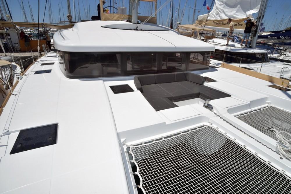 Location bateau Martinique pas cher Lagoon 52