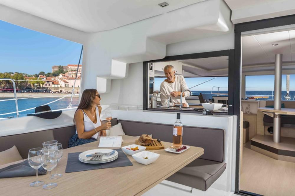 Louer Catamaran avec ou sans skipper Catana à Le Marin