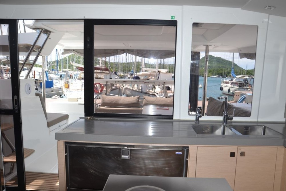Location Catamaran à Martinique - Fountaine Pajot Saona 47