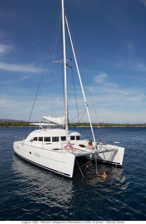 Location bateau Saint-Martin (France) pas cher Lagoon 380