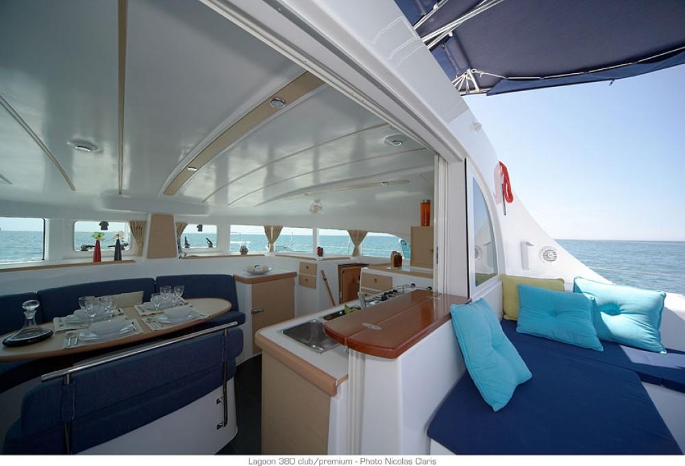 Location Catamaran à Saint-Martin (France) - Lagoon Lagoon 380