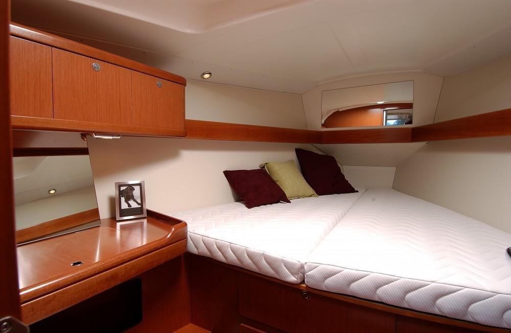 Location bateau Bénéteau Oceanis 37 à Port Hamble sur Samboat