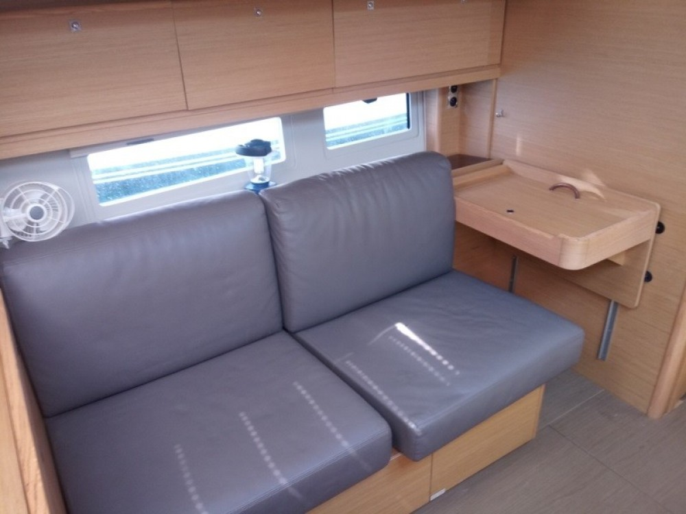 Location bateau Dufour Dufour 520 GL à Ajaccio sur Samboat