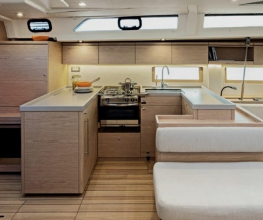 Location bateau Bénéteau Oceanis 51.1 à Olbia sur Samboat