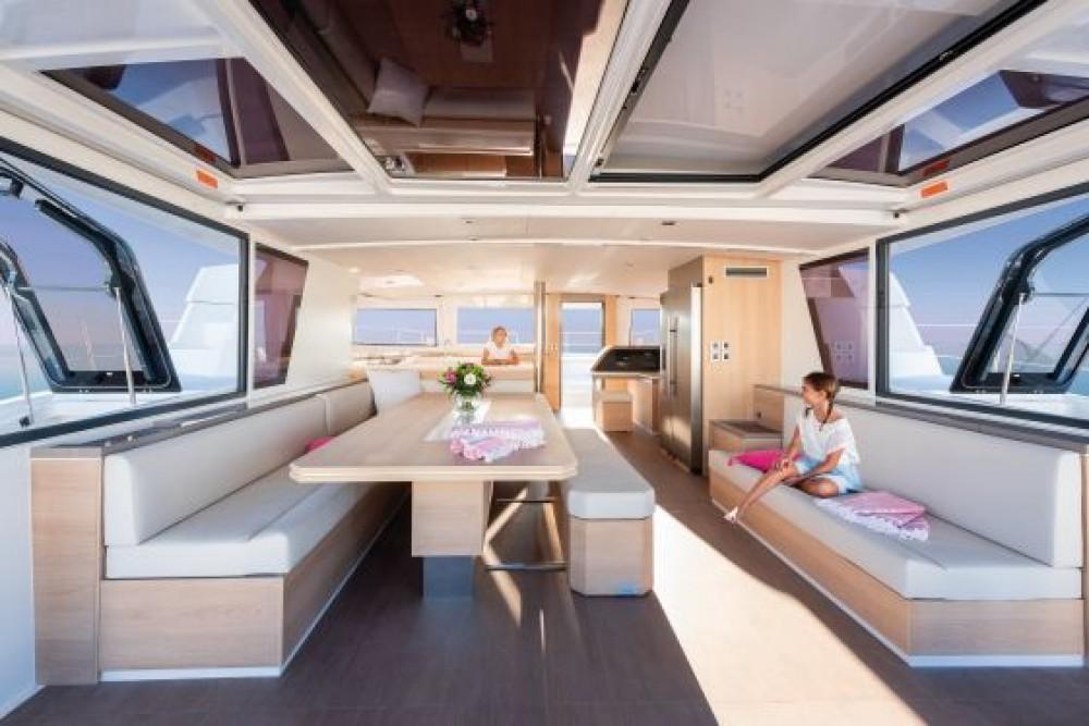 Bali Catamarans Bali 5.4 entre particuliers et professionnel à Naples
