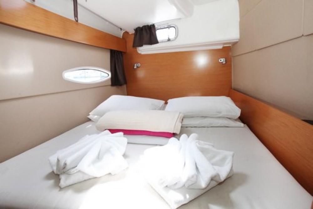 Catamaran à louer à Airlie Beach au meilleur prix