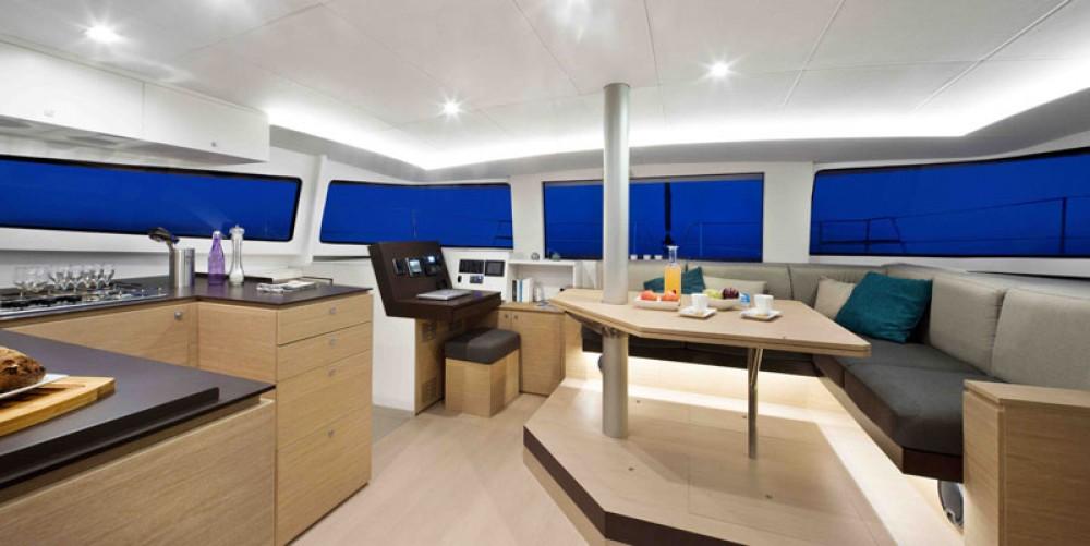 Louer Catamaran avec ou sans skipper Catana à Papeete
