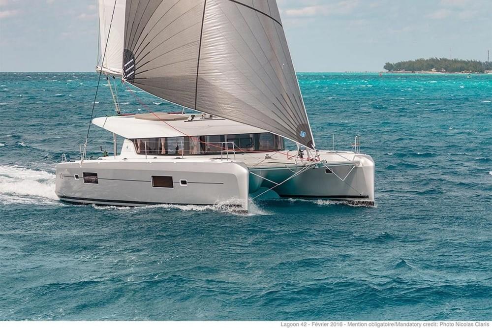 Catamaran à louer à Peloponnese au meilleur prix