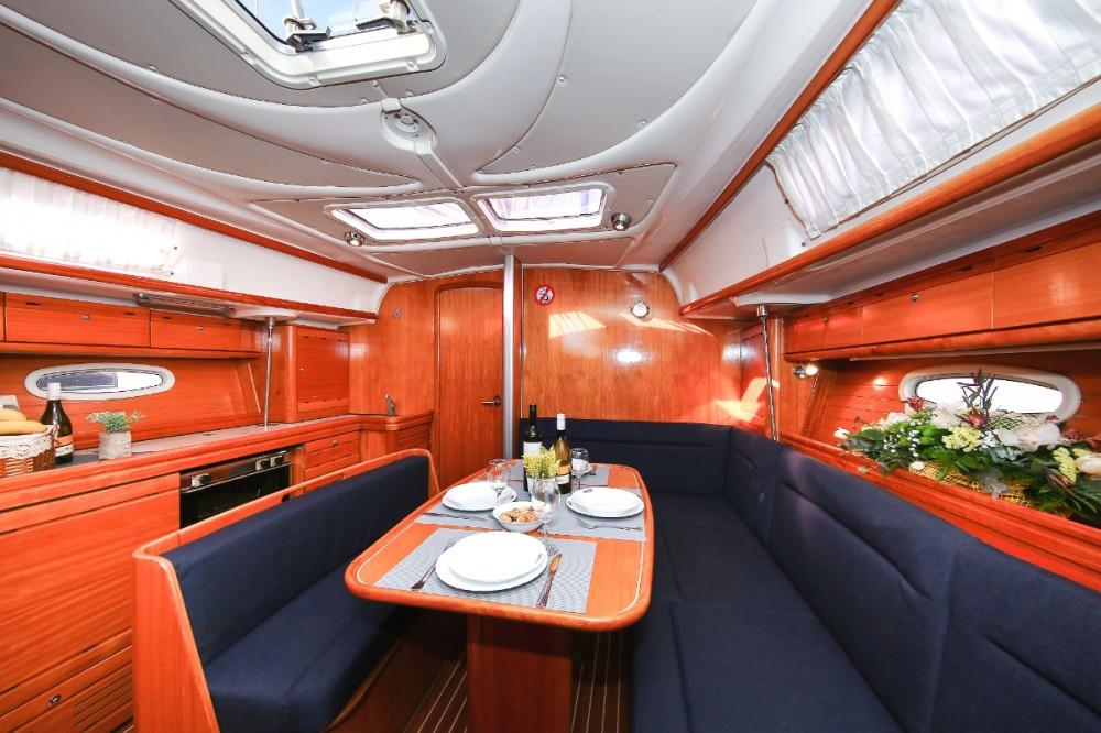 Louez un Bavaria Cruiser 39 à