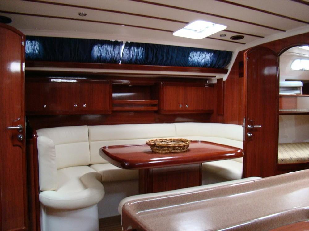 Location bateau Ocean Ocean Star 51.2 à Marina de Alimos sur Samboat