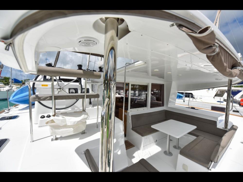Location bateau Lagoon Lagoon 400 à Victoria sur Samboat