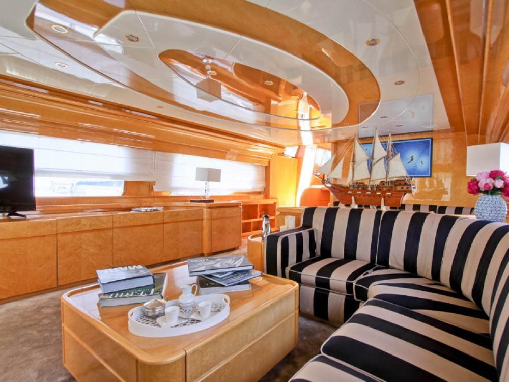Yacht à louer à Ponza au meilleur prix