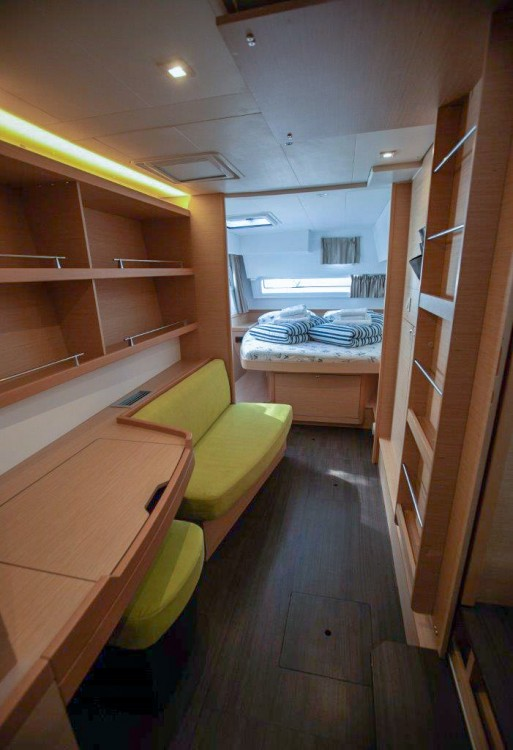 Location Catamaran à Slano - Lagoon Lagoon 42 (2018) equipped with generator, A/C (saloon+cabins), water maker, bow thruster