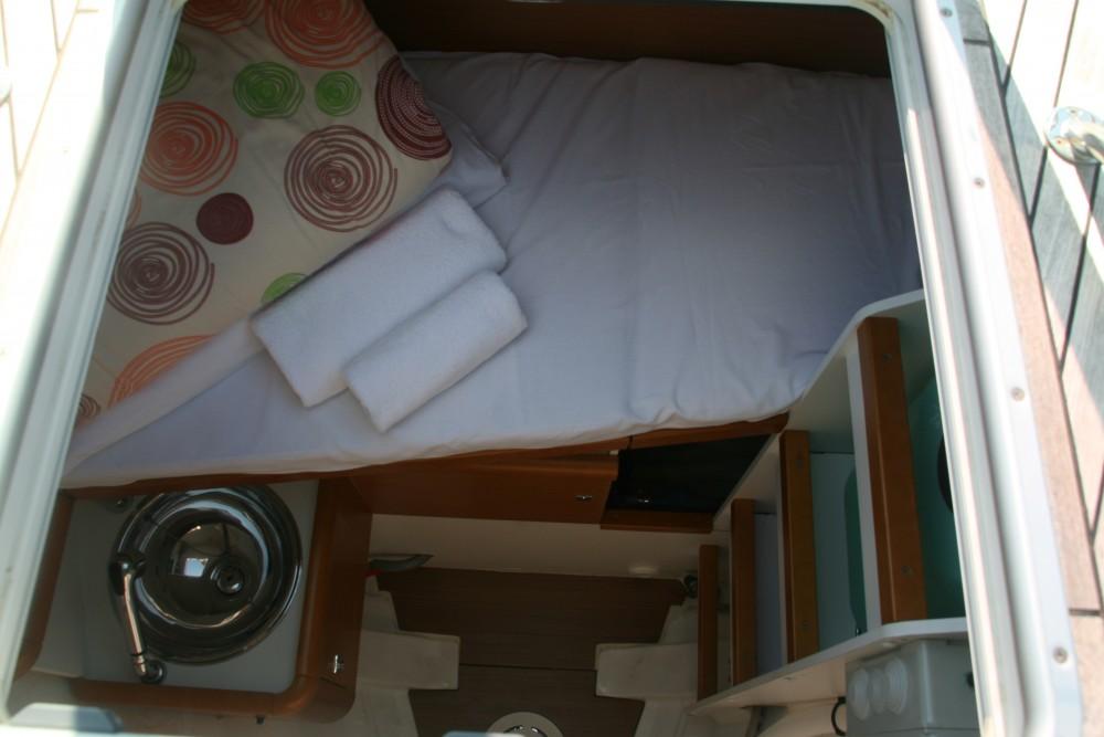 Location bateau Jeanneau Jeanneau 53 (4cab) à Skradin sur Samboat