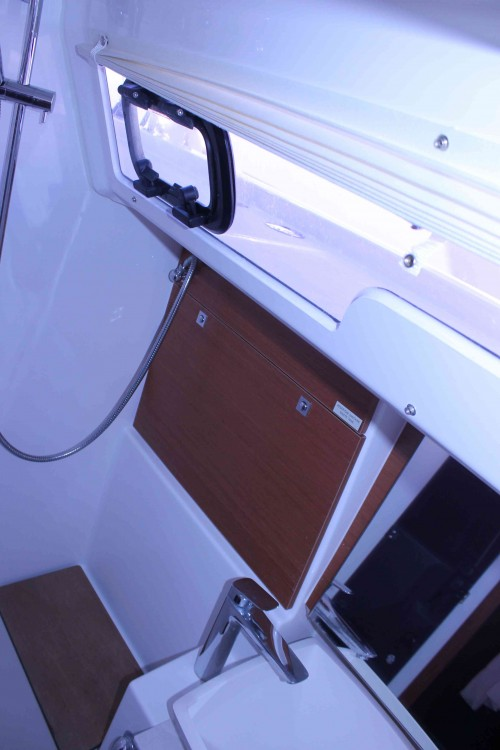 Location bateau Dufour Dufour 430 Grand Large à  sur Samboat