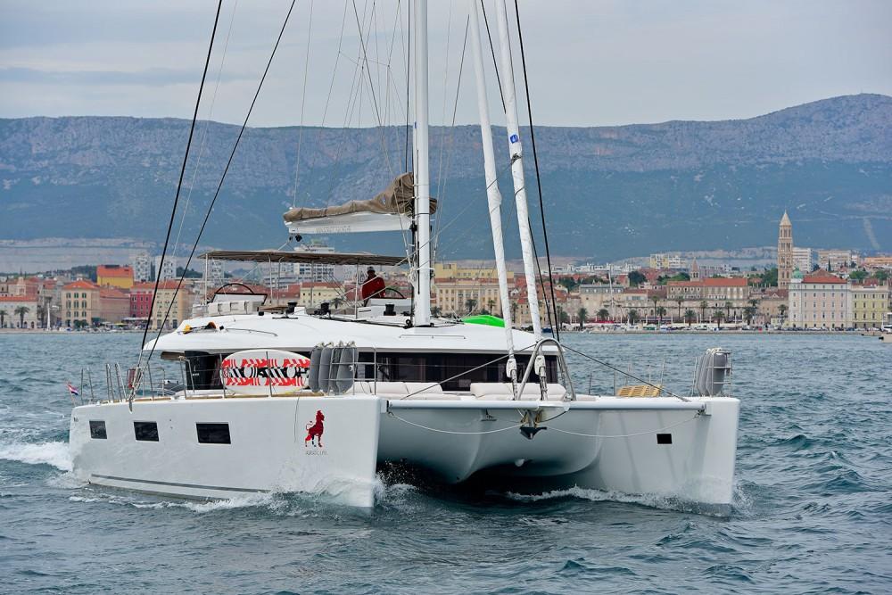 Catamaran à louer à Kaštel Gomilica au meilleur prix