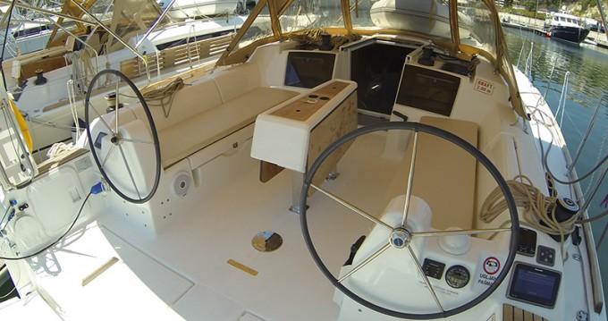 Location bateau Dufour Dufour 382 GL à Sibenik sur Samboat