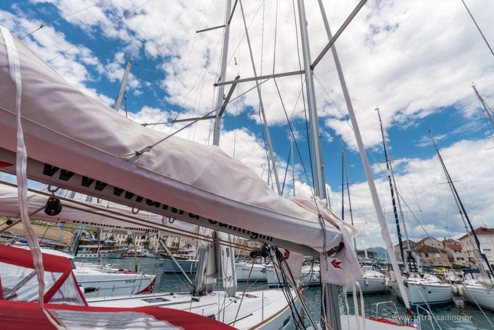 Location bateau Split pas cher Oceanis 35.1