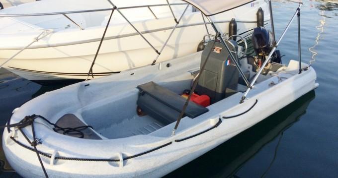 Location bateau Funyak 390 console à Serra-di-Ferro sur Samboat